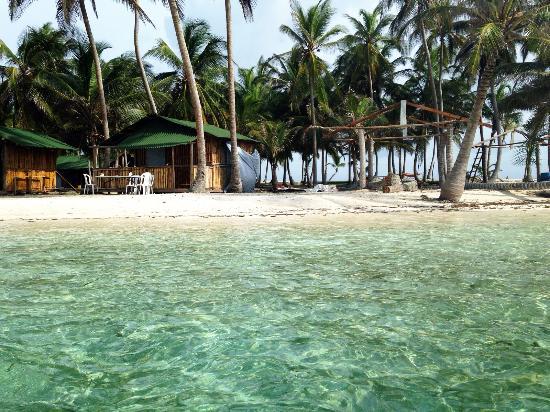 Guna Yala Region, بنما: Playa y Cabañas en isla Chichime