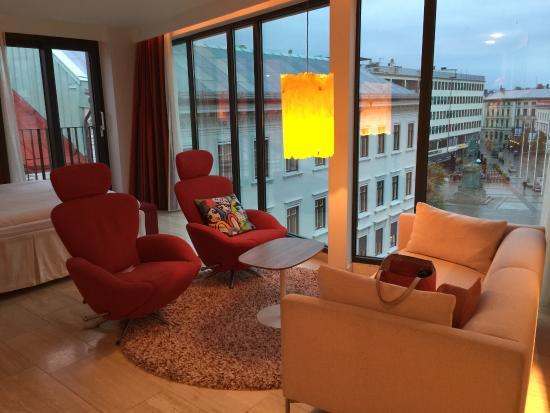 Avalon Hotel: My beautiful stylish elegant bedroom