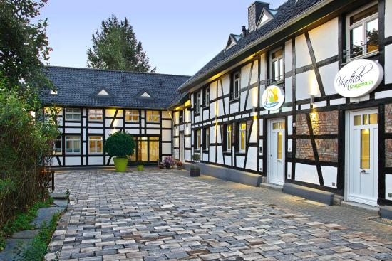 Stylisches hotel im alten fachwerkhaus sehr geschmackvoll for Spa hotel eifel germany