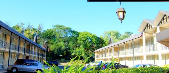 West Gate Inn Nyack: Pull in and make yourself at home at the Best Western Nyack on Hudson