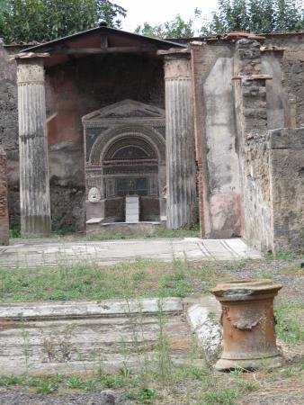 Casa della fontana grande pompeii italien omd men for Costo della grande casa