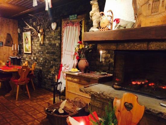 Auberge du Sanetsch: Une fin de saison au Sanetsch... Très bonne expérience. Arrivée dans la brume le soir, répartis