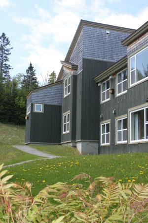 Grenfell Campus Summer Accommodations, Memorial University of Newfoundland : Exterior Building of Chalets Apartments