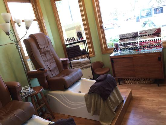 Egg Harbor, WI: Best Couples Massage in Door County!! Diane and Flora made our 90 min couples massage heavenly.