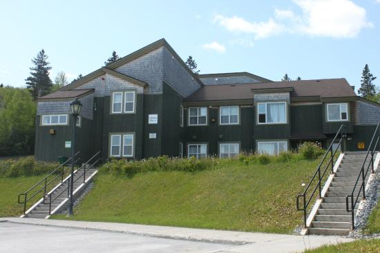 Grenfell Campus Summer Accommodations, Memorial University of Newfoundland : Chalets Apartments Buildings Site1