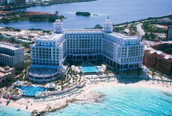 Hotel riu palace las americas aug 2016 cancun mexico for 5 star family all inclusive resorts
