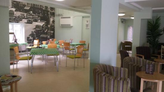Cafe Bistro Lounge