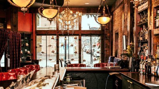Sims Corner Steakhouse & Oyster Bar : Queen Street Window