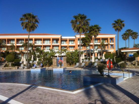 Hipotels Barrosa Palace Hotel : Environs de la piscine
