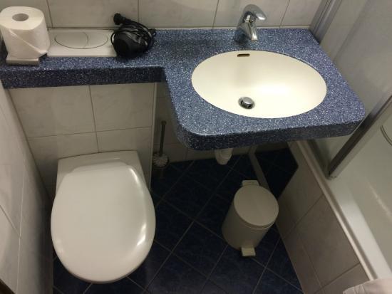 Naturhotel Taleu: WC-im-Waschtisch... ungewöhnlich, und das aus gutem Grund