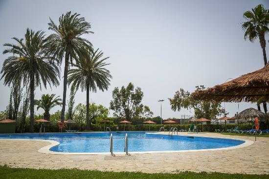 piscina fotograf a de devesa gardens camping bungalows