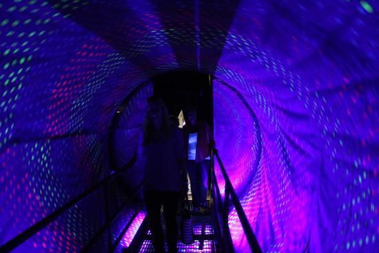 Mutter Tunnel Cox