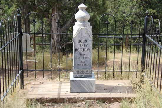 where is doc hollidays grave