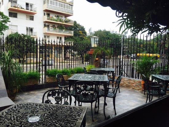 La nueva terraza al aire libre del decamer n disfr tela for Terrazas aire libre
