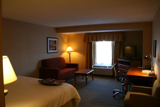 hotel hallway picture of hampton inn suites. Black Bedroom Furniture Sets. Home Design Ideas