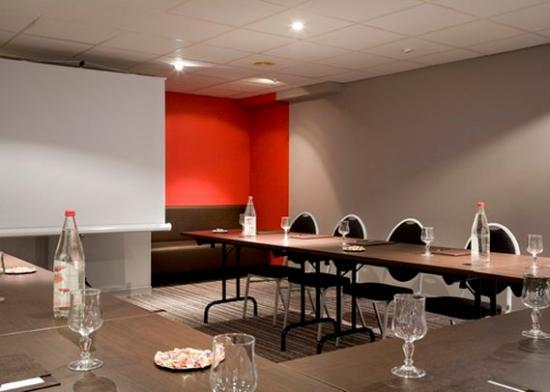 Comfort Hotel Lille-Mons en Baroeul : Meeting room u shaped