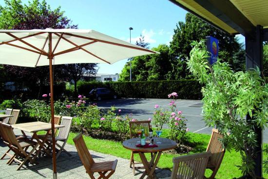 Comfort Hotel Lille-Mons en Baroeul : Terrasse