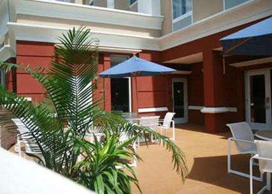 hampton inn suites poughkeepsie 185 2 1 6. Black Bedroom Furniture Sets. Home Design Ideas
