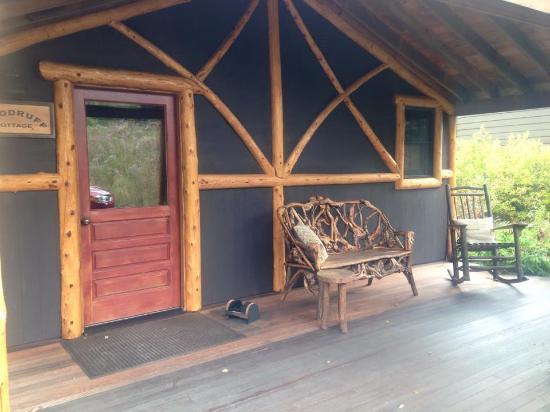 Dartbrook Lodge : front porch