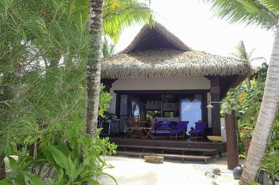 Heliconia Hideaway: Villa from the beach