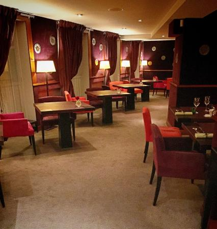 Helene darroze dining room picture of paris ile de france tripadvisor - Restaurant helene darroze paris ...