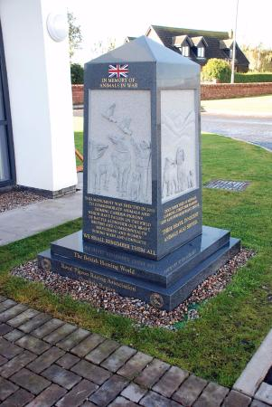 The Devil's Porridge Museum: Memorial to the animals who contributed to the war effort.