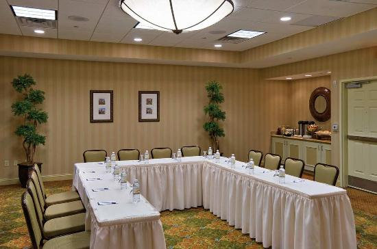 Hilton Garden Inn Lakewood: Meeting Room