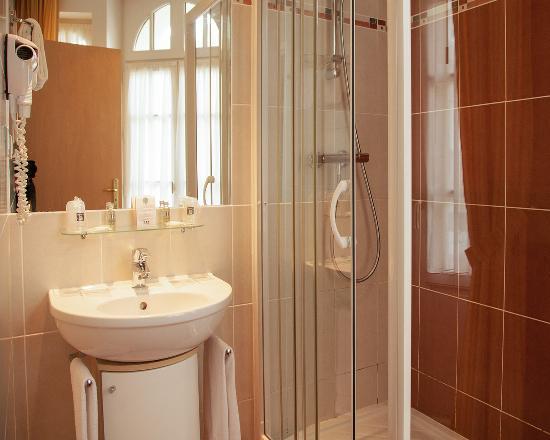 Comfort Hotel Dinard Balmoral: Superior Room