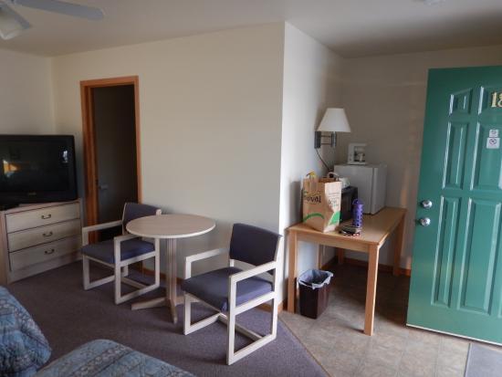 Sunrise Motel: Room