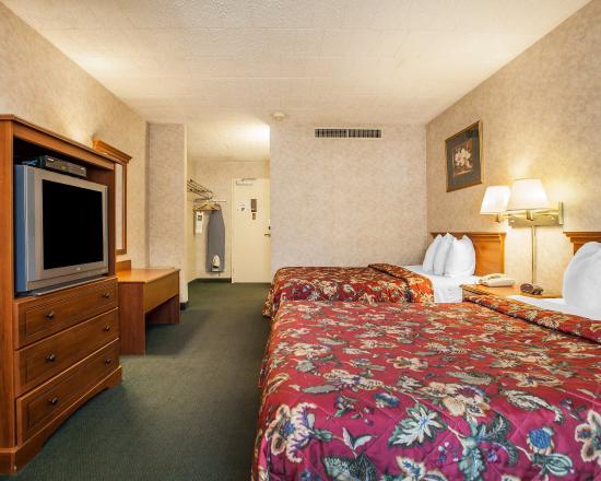 Ledgewood, NJ: Guest Room