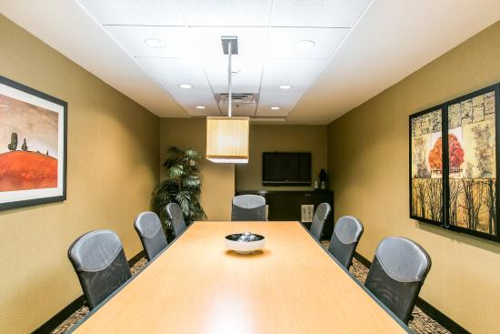 Cambria Hotel & Suites Indianapolis Airport: Boardroom