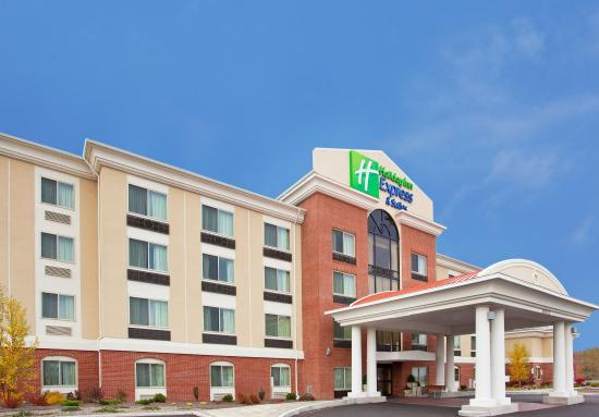 Holiday Inn Express & Suites Niagara Falls: Holiday Inn Express we are 5 min away from Fashion Outlets!