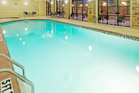 Indoor Swimming Pool Picture Of Holiday Inn Arlington Arlington Tripadvisor