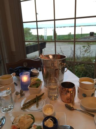 Baileys Harbor, WI: The best kept secret!!! The crab legs are divine, with a beautiful view of the water!! We had a