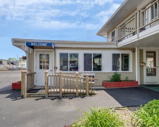 rodeway inn updated 2018 prices motel reviews orleans. Black Bedroom Furniture Sets. Home Design Ideas