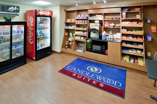 Candlewood Suites Richmond Airport : Gift Shop