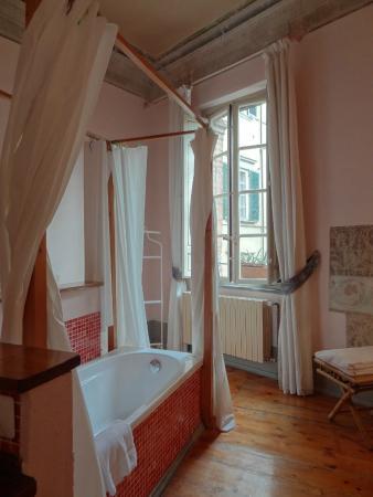 Bed & Breakfast La Romea: The suite bathroom