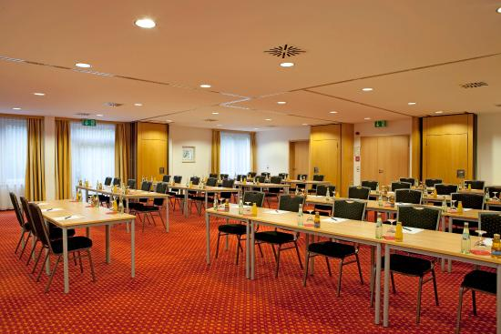 Salmdorf, Tyskland: GEConference Room