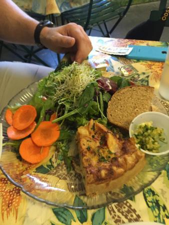 Signe's Bakery & Cafe : Tomato tart, crab tart, kids macaroni