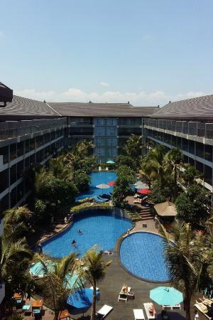 Ramada Encore Bali Seminyak: Pool view from room