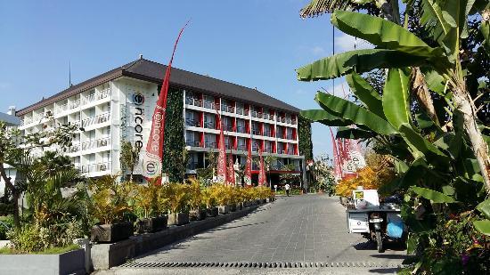 Ramada Encore Bali Seminyak: Entrance