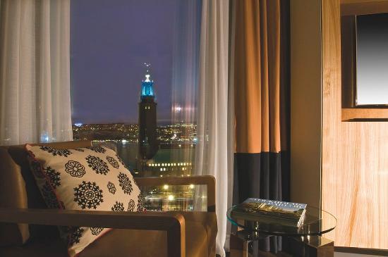 Radisson Blu Waterfront Hotel: Suite View City Hall