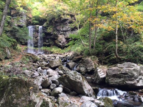 Hirugano watershed park: 夫婦滝