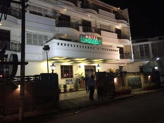 Hotel Monark Front