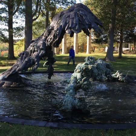 Mountainville, NY: Another water sculpture
