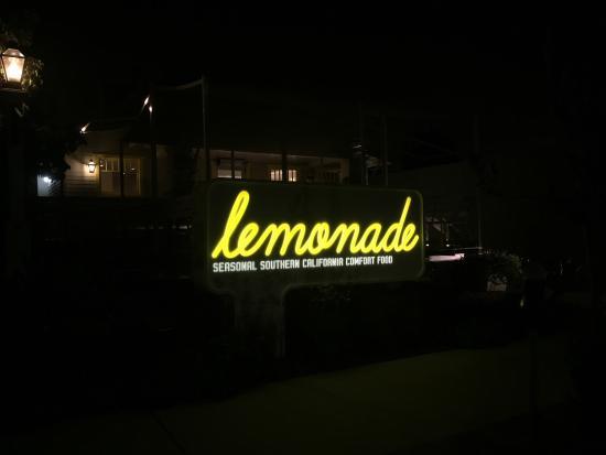 Photo of Restaurant Lemonade at 626 N Larchmont Blvd, Los Angeles, CA 90004, United States