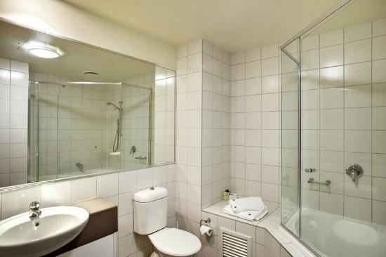 Punthill Burwood: Bathroom