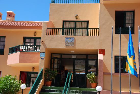 Tres Palmeras: Hotel  entrance