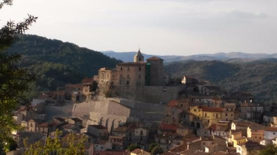 Castello Cancellara vista diurna