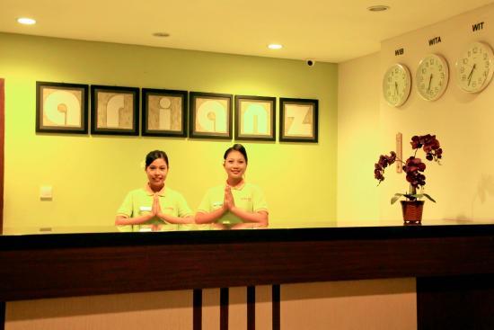 Arianz Hotel: Reception